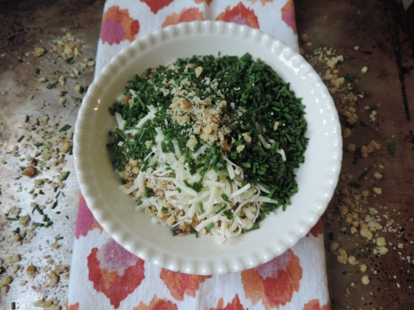 walnut_chive_pesto